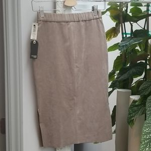 Aritzia Wilfred Free Lis Skirt in Taupe Size 6